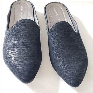 NWOT Donald J. Pliner RUE metallic Black Mules 8